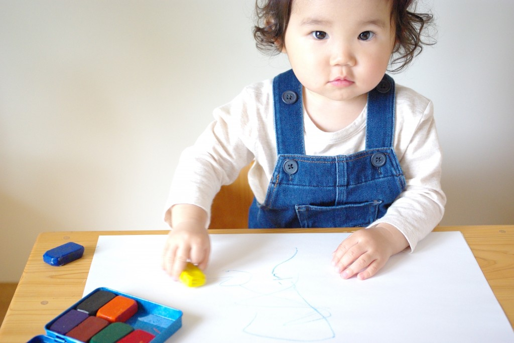 【 子どもと芸術 】〜体験が感性を育む、色・造形遊び〜